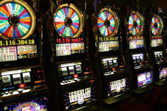 Обзор официального сайта: отзывы о казино Космолот Украина