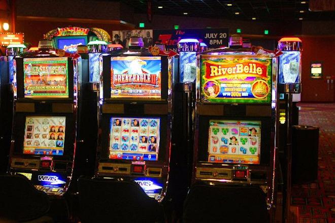 Выигрывайте в онлайн-автомате Книжки в казино Goxbet