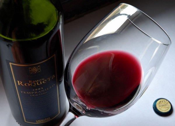 Титов объяснил инициативу по введению сбора на импортное вино