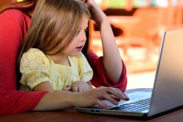 Сенаторы рекомендуют соцсетям ограничить детям доступ к политической рекламе