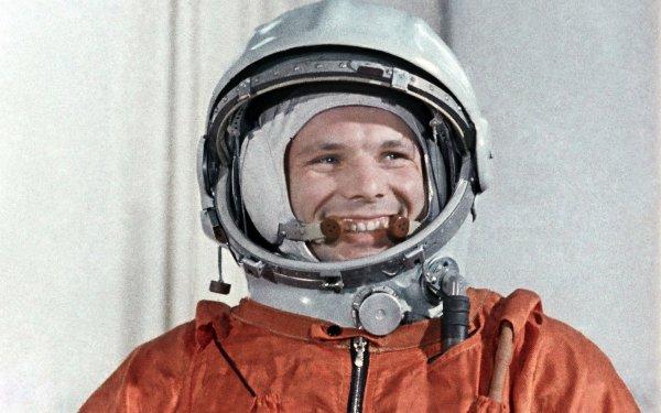 Во Франции установили мемориальную доску Юрию Гагарину