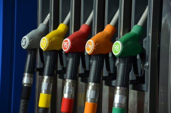 В Кировской области цены на бензин перевалили за 50 рублей