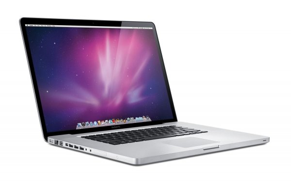Рекламу ноутбуков Apple раскритиковали из-за переходников