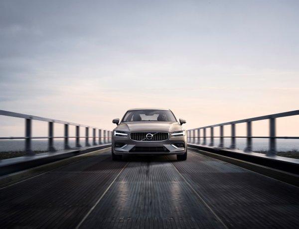 В США представили седан Volvo S60 нового поколения
