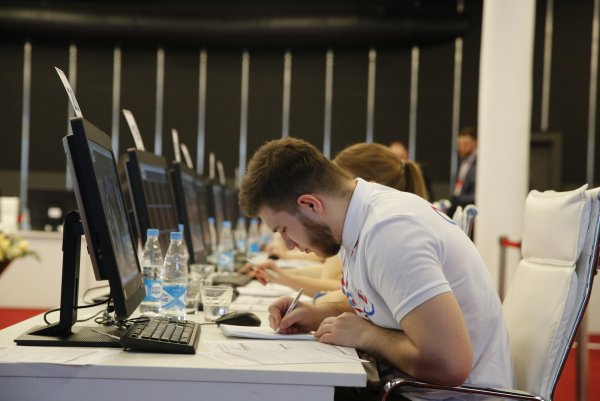 Центробанк начнет проверять устройства своих клиентов
