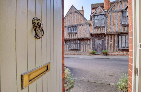 Маглы заплатят: Дом Гарри Поттера продаётся за 1 млн фунтов