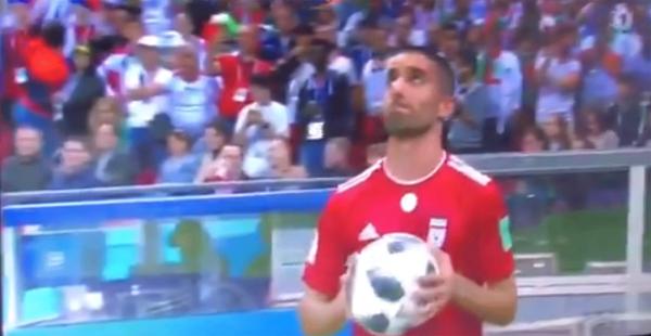 Что-то пошло не так: Футболист стал мемом после неудачного вбрасывания мяча