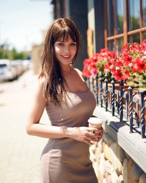 Редкое фото: Ростовская модель Playboy влюбила в себя фанатов фотографией в одежде