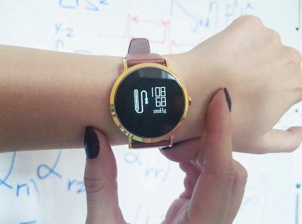 Украинцы создали «умные» часы, показывающие уровень стресса