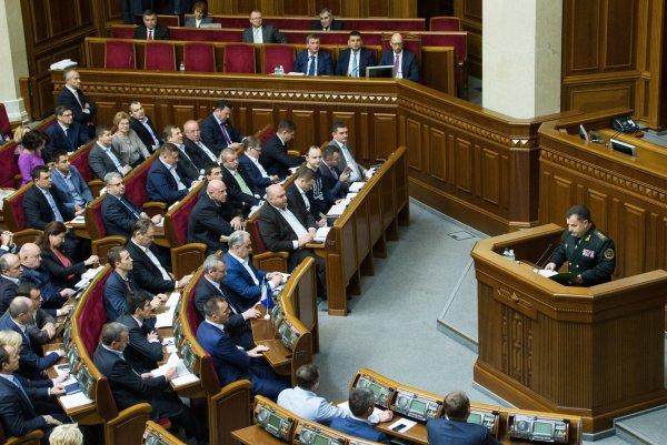 Депутат Рады обвинил правительство в обнищании народа