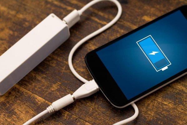 Китаец получил травму от взорвавшейся в постели зарядки смартфона