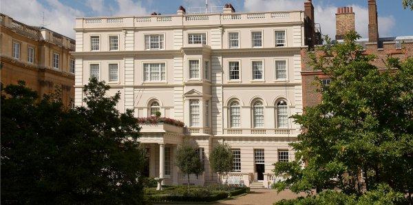 Желающие смогут осмотреть особняк Елизаветы II