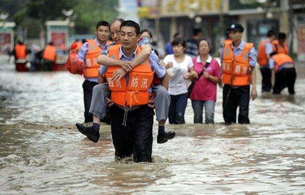 Количество погибших из-за ливней в Японии превысило 20 человек