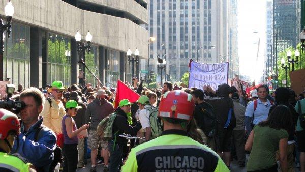 В Чикаго из-за убитого полицейскими человека организовали акцию протеста