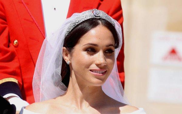 Королева будет в ярости: Отец Меган Маркл без приглашения летит в Великобританию