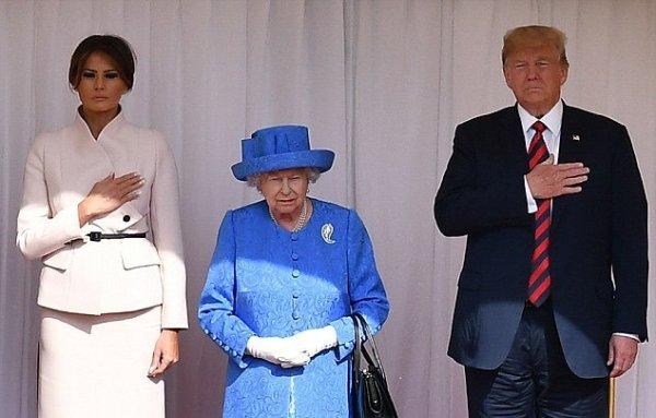 Тонкий троллинг: Королева Елизавета II посмеялась над Дональдом Трампом