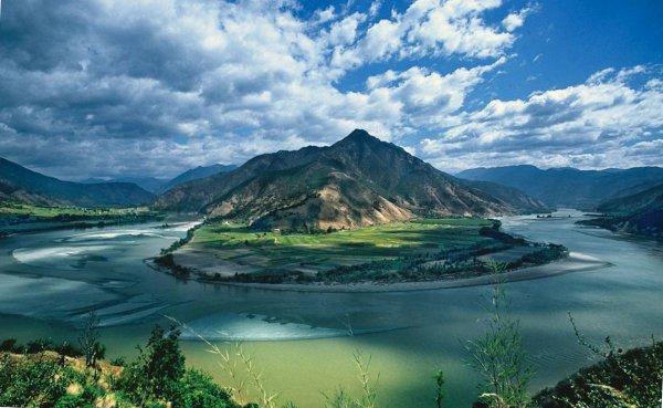 Туристы увидели телепортацию НЛО в Китае