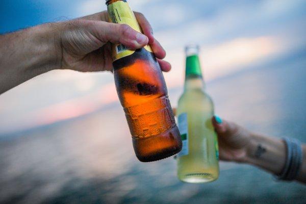 Немцев попросили сдавать пустые бутылки из-за их дефицита