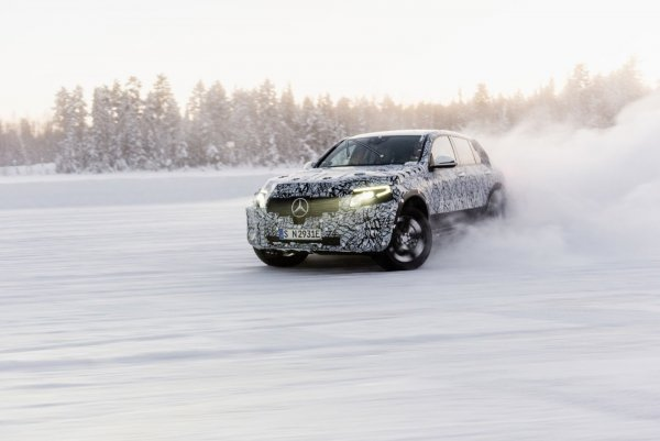 Официально: Электрический кроссовер Mercedes-Benz EQC дебютирует 4 сентября