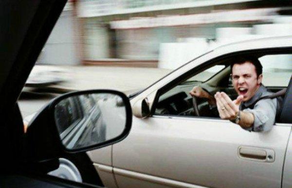 Воронежские автомобилисты объяснили, почему в городе плохие водители