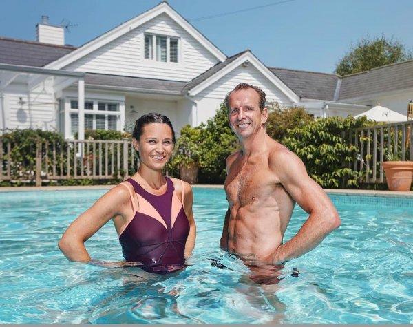 Беременная сестра Кейт Миддлтон в купальнике «взорвала» соцсети