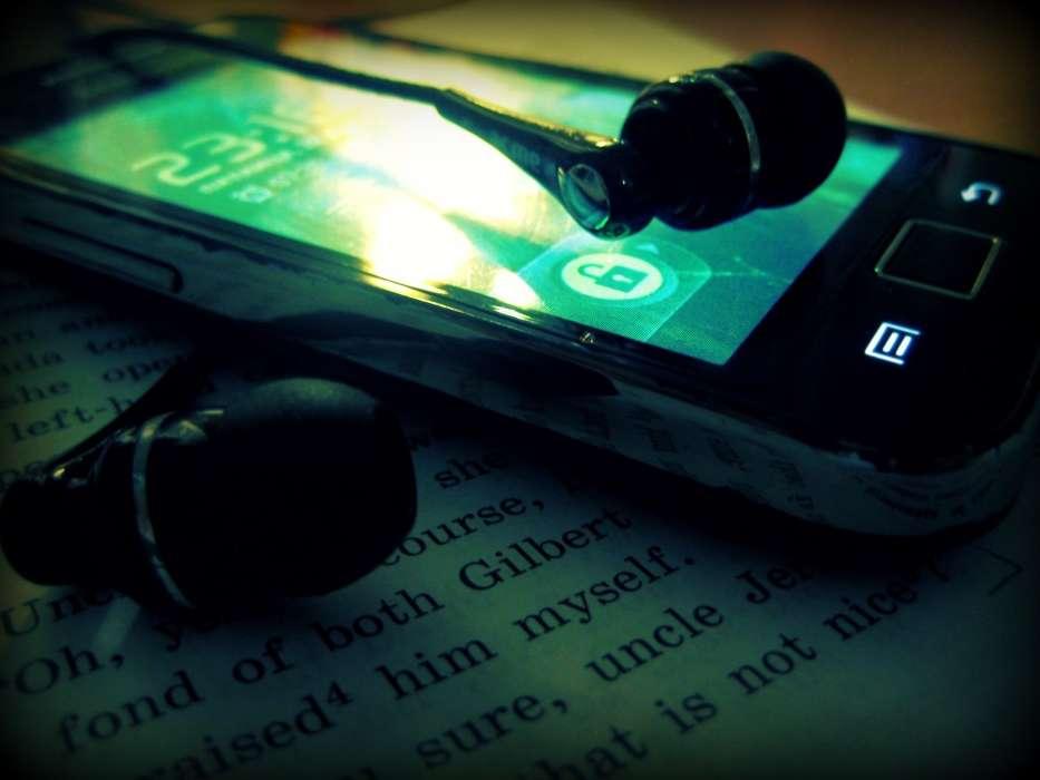 Где найти музыку для телефона?