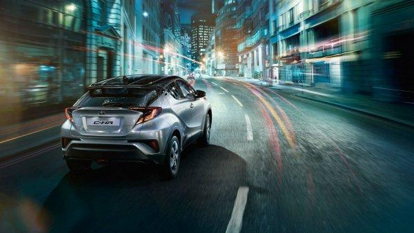 Продажи кроссовера Toyota C-HR в России за месяц составили 153 единицы