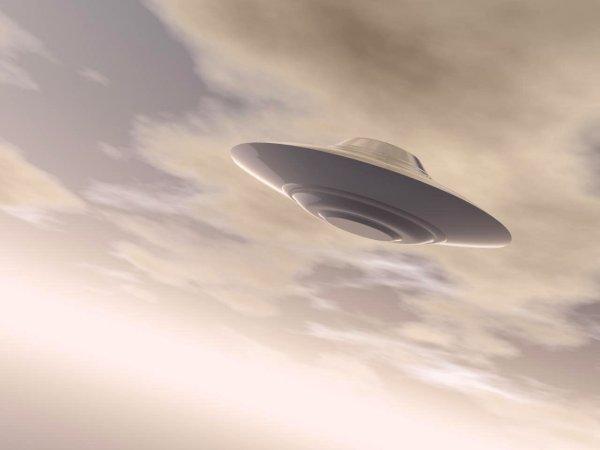 В небе Таиланда рывками пролетел странный НЛО