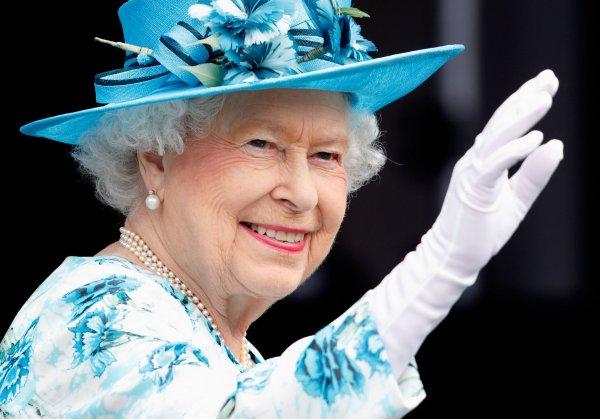 Королева Елизавета II сообщила о любимом сериале, чем и удивила фанатов