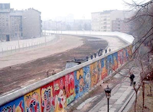 В Германии решили заработать на «Берлинской стене»