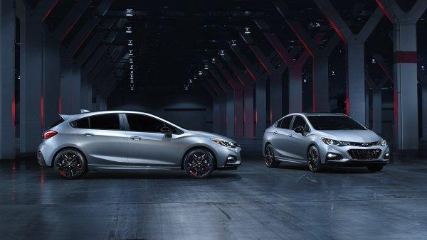 В Китае стартовали продажи нового седана Chevrolet Cruze Redline