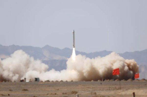 Китай запустил первую частную ракету с тремя спутниками