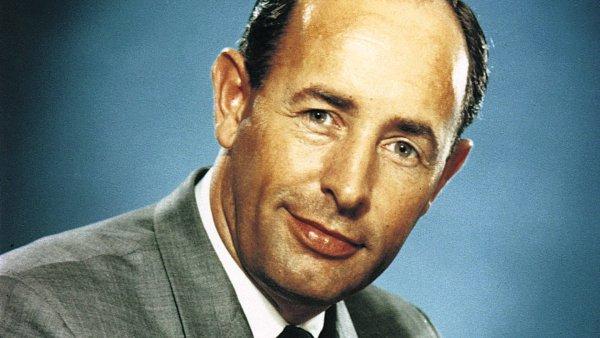 В США скончался основатель бренда Amway Ричард Девос