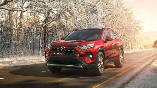 Toyota нарастила российские продажи в августе на 23%