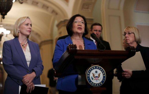 «Заткнитесь и вставайте»: Американский сенатор призывает мужчин вступиться за жертву Бретта Кавано