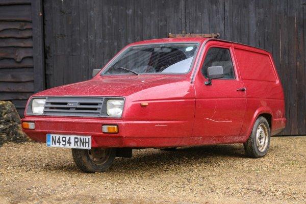Трехколесный Renault Rialto преобразовали в гоночный болид