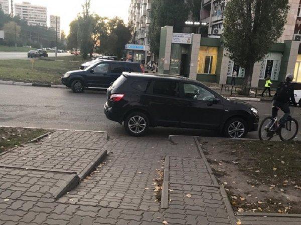 В Воронеже автохам показал место матерей и велосипедистов в иерархии