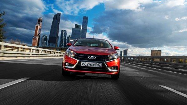 «Плагиатят как китайцы»: В сети обсуждают сходство LADA Vesta с Ford Mondeo
