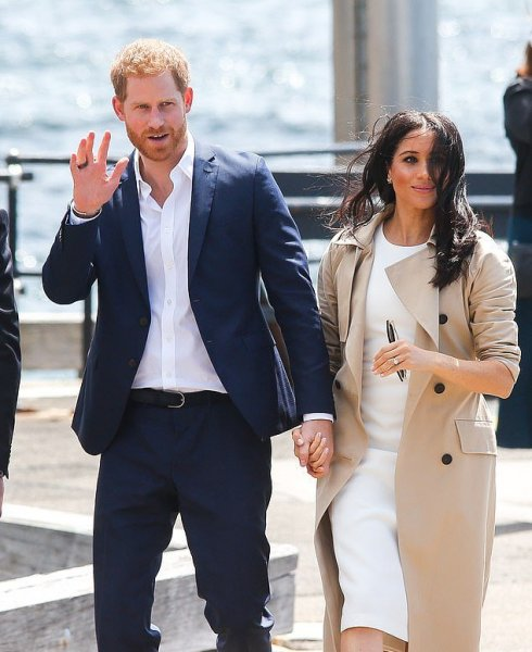 Беременная Меган Маркл подарила принцу Гарри «умное» кольцо