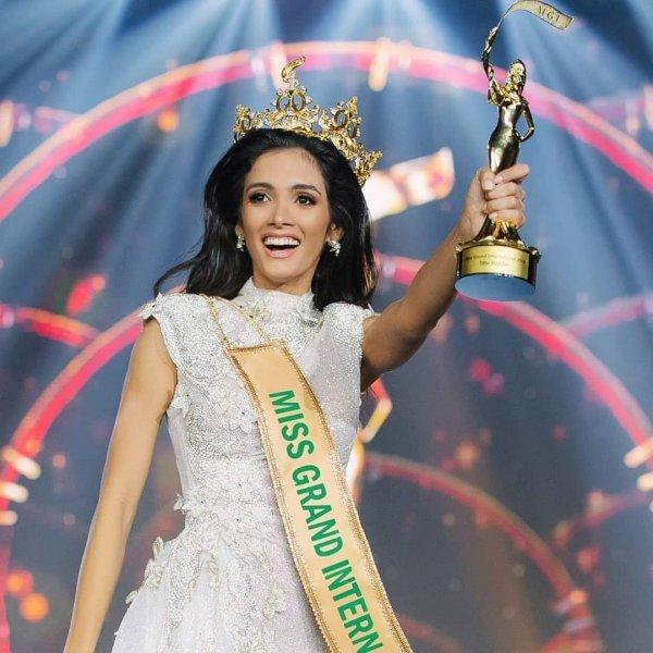 Победительница международного конкурса красоты упала в обморок прямо на сцене