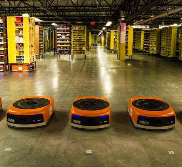 В Китае появился полностью автоматизированный склад размером в пять футбольных полей
