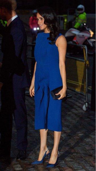 «Будет мальчик!»: В платье Меган Маркл фанаты увидели намек на пол ребенка