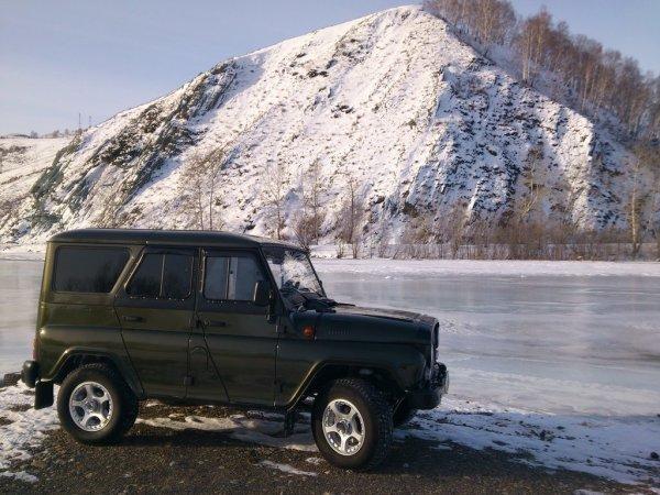 «Как же в нем страшно!»: Автоблогер откровенно рассказал о недостатках УАЗ «Хантер»