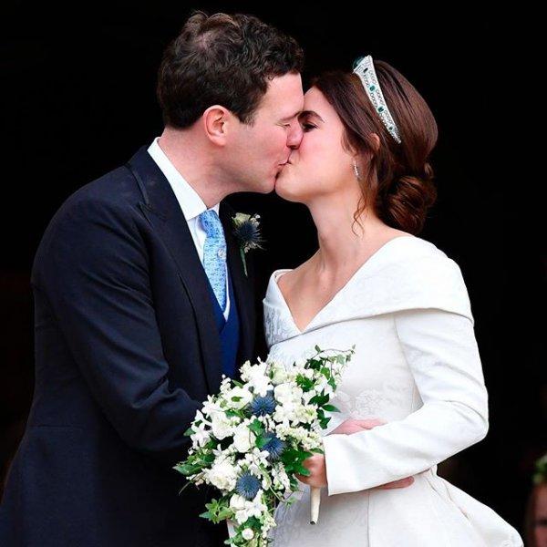 «Прошла любовь?»: Муж принцессы Евгении без жены веселился в ночном клубе – СМИ