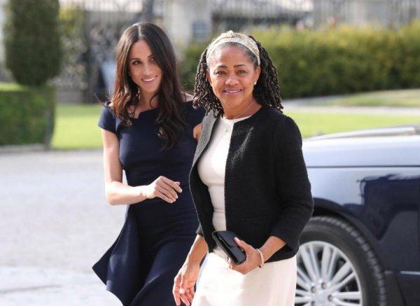 «Разорит королеву!»: Принц Гарри заплатил $2000 за отель для матери Меган Маркл – СМИ