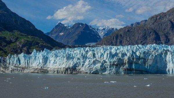 На Аляске из-за сильного землетрясения возникла угроза цунами