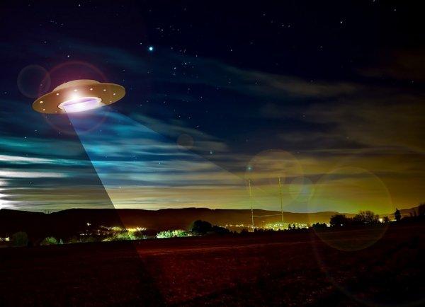 В Польше сняли на камеру стремительно падающий НЛО