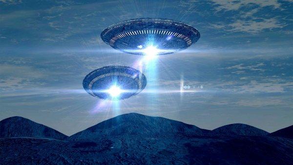 Скопление НЛО обнаружено возле действующего вулкана