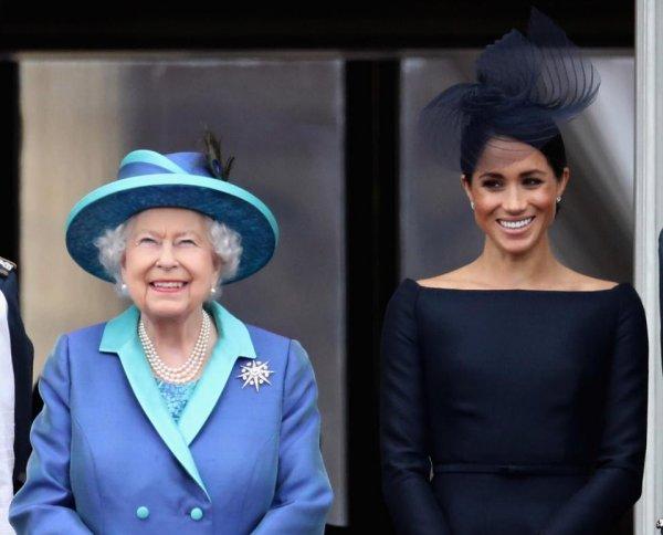 «Не оправдала ожиданий!»: Королева Елизавета II недовольна Меган Маркл – источник