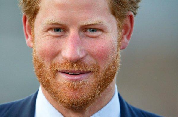 Принц Чарльз стыдится рыжих волос своего сына Гарри – биограф